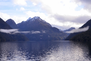 Sailing along Lake Manapouri