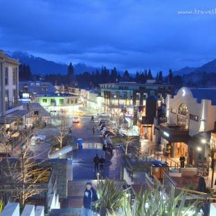 Nightview of Queenstown
