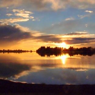 Beautiful sunrise enroute to Kaiteriteri