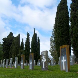 Explore Hamilton East Cemetery